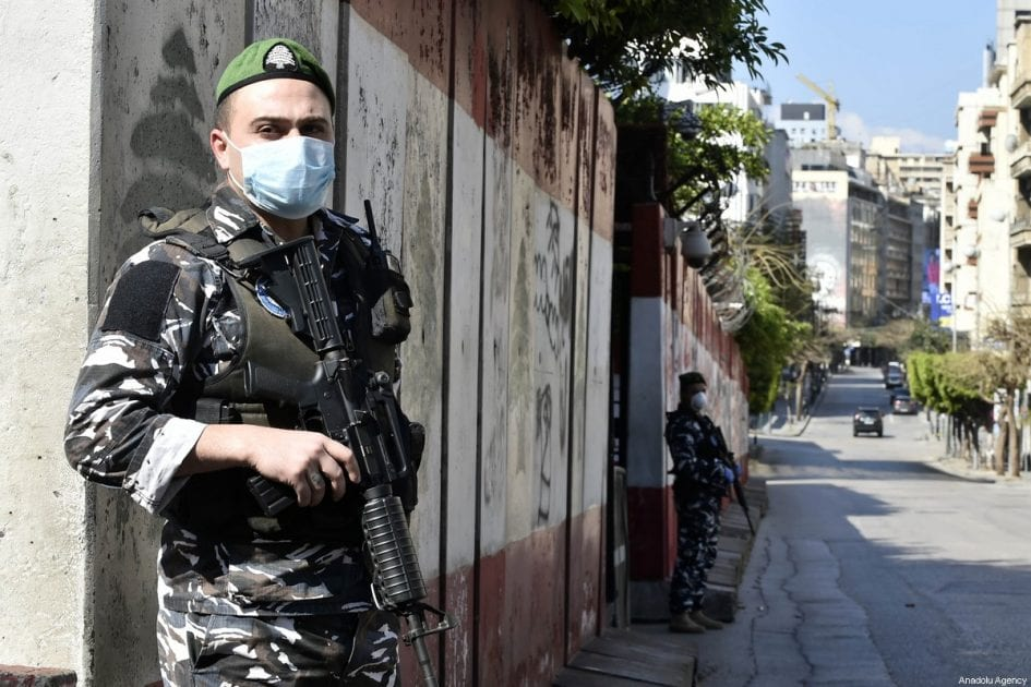 Lebanese Army soldiers wearing face masks