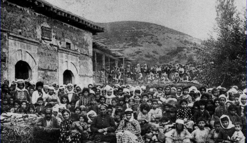 Lebanese people in Mount Lebanon, during the famine of WW1