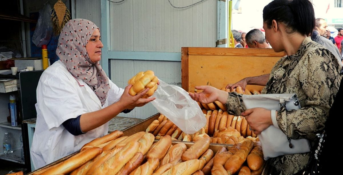 Lebanese Gov't Considers Removing Bread Subsidy, Handing Out Coupons