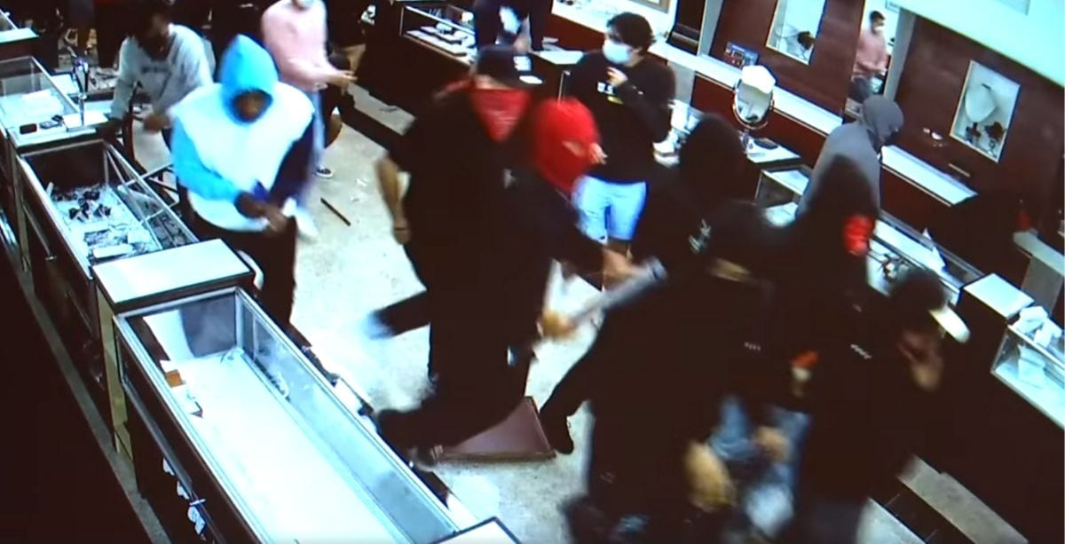 Video Shows Lebanese-Owned Jewelry Store Getting Looted In California