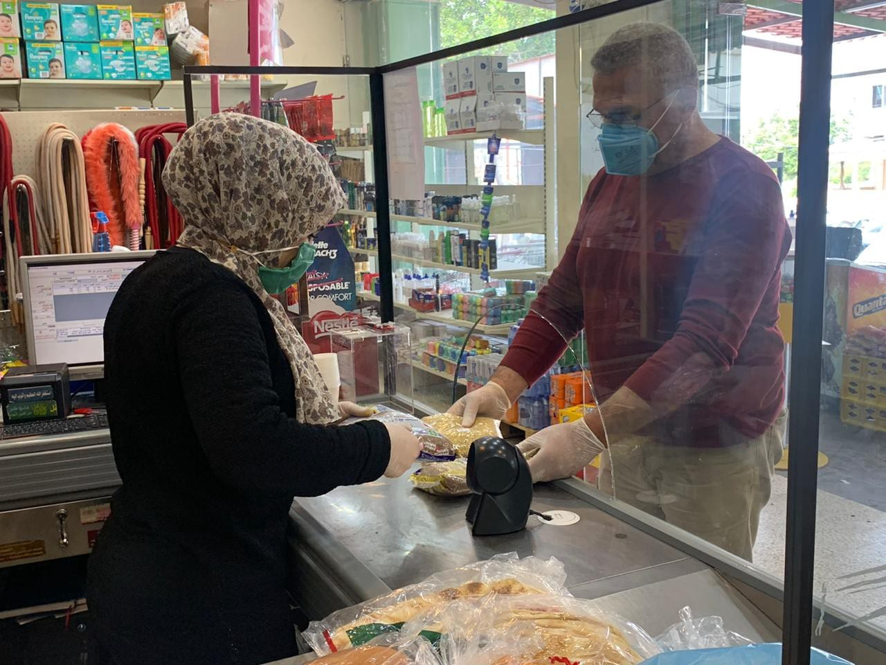Lebanese buying groceries during the outbreak