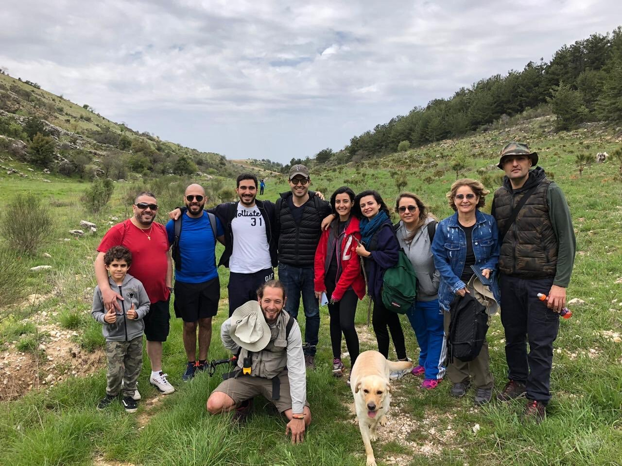 Hiking with pets in Niha