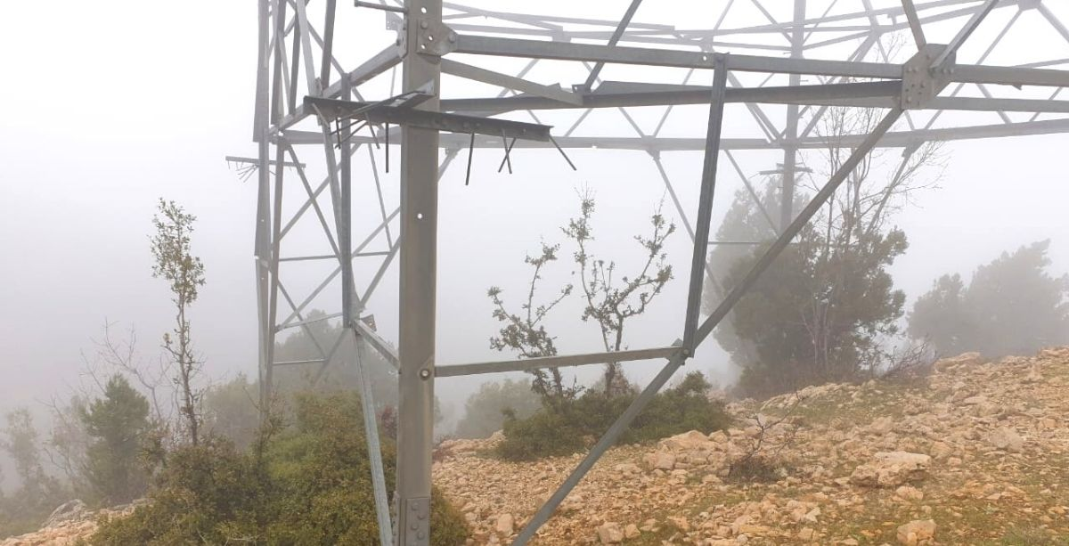 Transmission Tower In Lebanon Falls Over After Its Corners Were Stolen